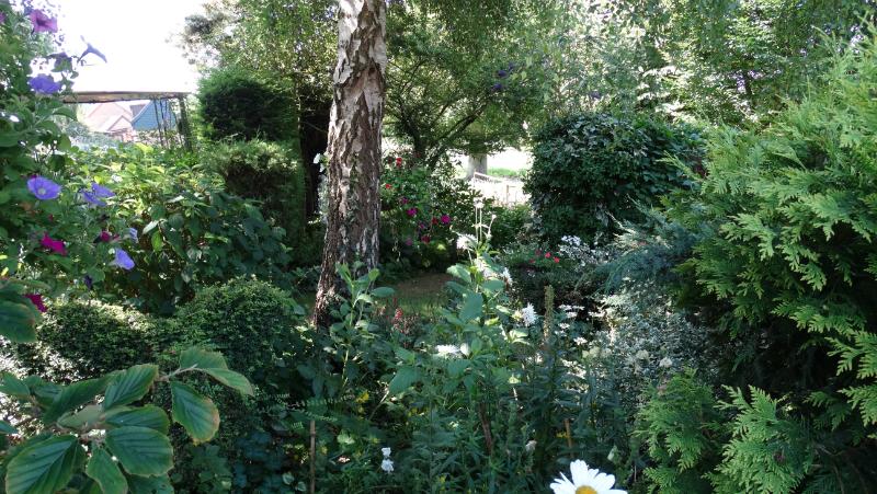 co-durham-helmingham-gardens-030