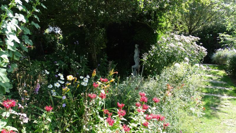 co-durham-helmingham-gardens-039