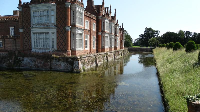 co-durham-helmingham-gardens-056