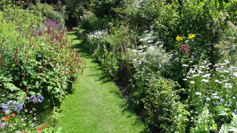co-durham-helmingham-gardens-062