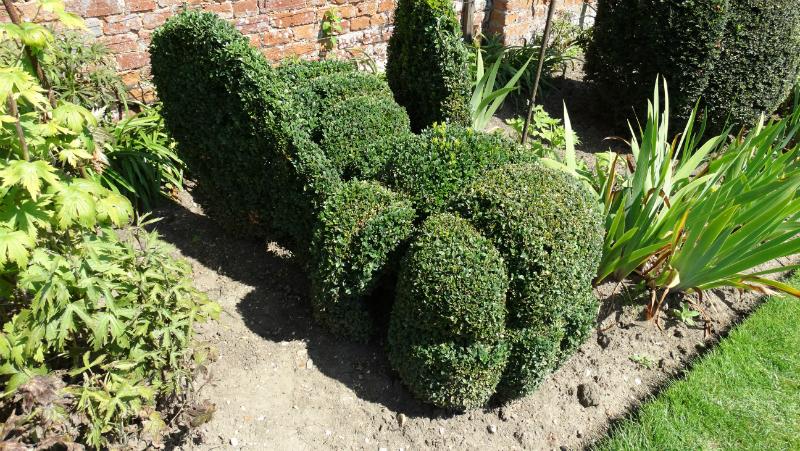 co-durham-helmingham-gardens-071
